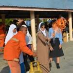 Cikgu Asiah Omar cuba memadam api