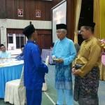 Majlis berbuka puasa dan penyampaian zakat kepada pelajar SMKSIS bersama YBhg Tan Sri Dato Abdul Rahim b Ab Rahman