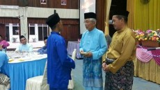 Majlis berbuka puasa dan penyampaian zakat kepada pelajar SMKSIS bersama YBhg Tan Sri Dato Abdul Rahim b Ab Rahman Pengerusi PIBG SMKSIS 18.6.2017